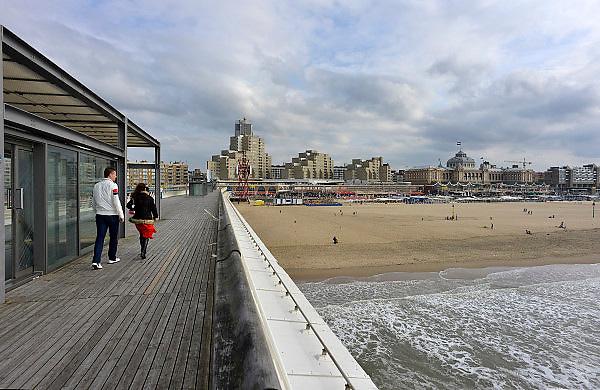 Nederland, Scheveningen, 28-10-2012De pier , zeepier van de badplaats Scheveningen.Foto: Flip Franssen/Hollandse Hoogte