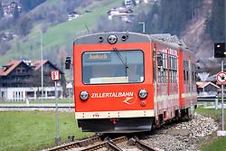 22.03.2020, Mayrhofen, AUT, Coronavirus Krise, Osttirol. Das Land Tirol hat alle Personen, die sich in der Woche vom 8. bis 15. März in Bars und Aprs-Ski-Lokalen im Zillertal aufgehalten haben, dazu aufgerufen, besonders auf den Gesundheitszustand zu achten und bei Symptomen die Gesundheitsberatung 1450 zu kontaktieren. Im Bild Lokalbahn Zillertalbahn // Zillertalbahn . The State of Tyrol has called on all people who were in bars and après-ski bars in the Zillertal during the week from March 8th to 15th to pay special attention to their health and to contact the 1450 health counseling service if they experience symptoms. Mayrhofen, Austria on 2020/03/22. EXPA Pictures © 2020, PhotoCredit: EXPA/ Johann Groder