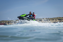 October 12, 2017 - Joel Parkinson (AUS) Placed 1st in Heat 9 of Round One at Quiksilver Pro France 2017, Hossegor, France..Quiksilver Pro France 2017, Landes, France - 12 Oct 2017 (Credit Image: © WSL via ZUMA Press)