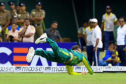 August 5, 2018 - Kandy, Sri Lanka - South African cricket captain Faf Du Plessis drops a catch during the 3rd One Day International cricket match between Sri Lanka and South Africa at Pallekele International Cricket Stadium, Pallekele, Kandy , Sri Lanka on Sunday 5 th August 2018  (Credit Image: © Tharaka Basnayaka/NurPhoto via ZUMA Press)