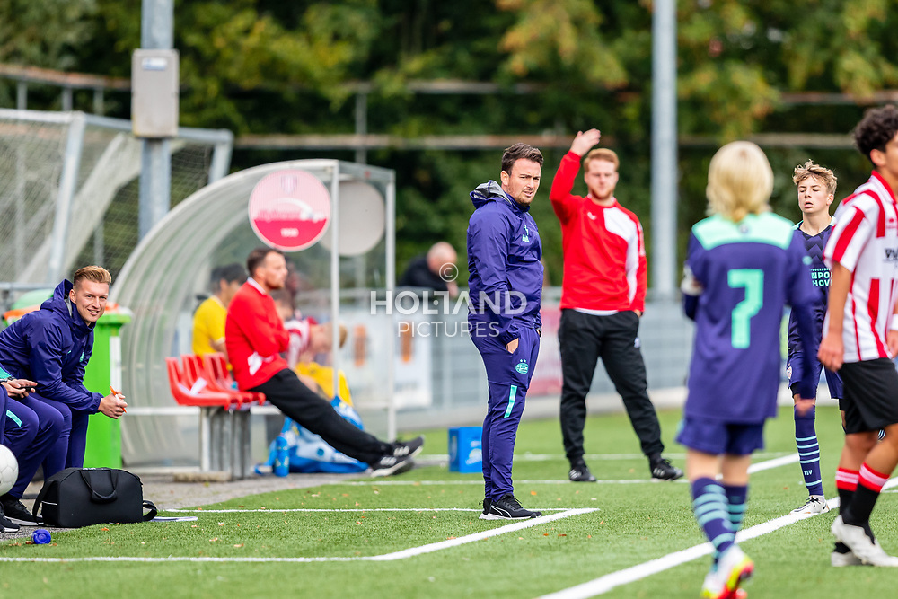 ALPHEN AAN DEN RIJN, NETHERLANDS - OCTOBER 2: Trainer/coach Hidde van Boven (PSV) during the Divisie 1 A NAJAAR u15 match between Alphense Boys and PSV at Sportpark De Bijlen on October 2, 2021 in Alphen aan den Rijn, Netherlands
