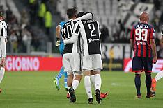 Juventus v FC Crotone - 26 Nov 2017