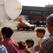 NLD/Huizen/20050910 - Huizerdag 2005, autobrand binnenterrein