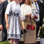NLD/Terneuzen/20190831 - Start viering 75 jaar vrijheid, Koningin Maxima en Koningin Mathilde van Belgie