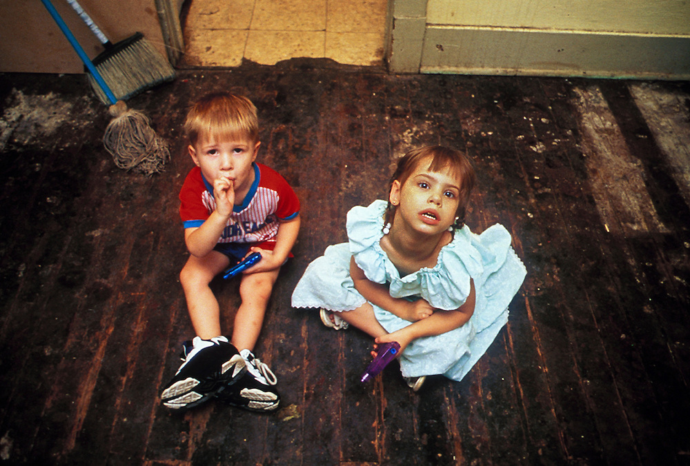 Leonard and Nykole Britton, lead-paint poisoning, Phoenix, Arizona