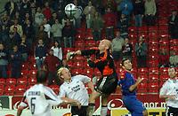 Fotball Champions League Rosenborg Steuua Bucuresti<br /> Espen Johnsen holdt hodet kaldt helt inn...<br /> Foto: Carl-Erik Eriksson, Digitasport