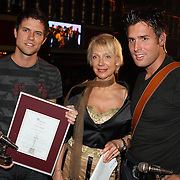 NLD/Uitgeest/20080116 - Uitreiking Popularitiets award Noord Holland 2008, Nick en Simon en Carla Geels