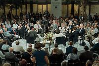 """16 MAY 2000, BERLIN/GERMANY:<br /> 10. Forum Pariser Platz mit dem Thema """"Nach der NRW-Wahl: endlich wieder Politik"""" mit (iUZS) Wolfgang Gerhardt, FDP Bundesvorsitzender, Thomas Goppel, CDU Generalsekretär, Franz Müntefering, SPD Generalsekretär, Manfred Bissinger, Herausgeber Die Woch, Martin Schulze, Fernsehjournalist, Friedrich Merz, CDU, CDU/CSU Fraktionsvorsitzender, Kerstin Müller, B90/Grüne Fraktionsvorsitzende, Gregor Gysi, PDS Fraktionsvorsitzender; Dresdner Bank<br /> IMAGE: 20000516-04/03-01"""