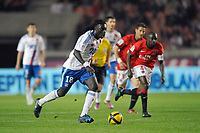 FOOTBALL - FRENCH CHAMPIONSHIP 2010/2011 - L1 - PARIS SAINT GERMAIN v OLYMPIQUE LYONNAIS  - 17/04/2011 - PHOTO GUY JEFFROY / DPPI - BAFETIMBI GOMIS (OL)