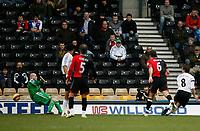 Photo: Steve Bond/Sportsbeat Images.<br />Derby County v Blackburn Rovers. The FA Barclays Premiership. 30/12/2007. Matt Oakley (R) beats keeper Brad Friedel (L) to score