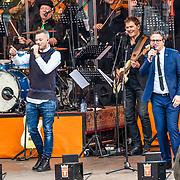 NLD/Tilburg/20170427- Koningsdag 2017, Gers Pardoel en Guus Meeuwis