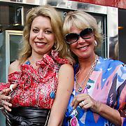 NLD/Amsterdam/20100708 - Presentatie juwelen Sheila de Vries bij MK Jewelry, Marlies Katy en Sheila de Vries