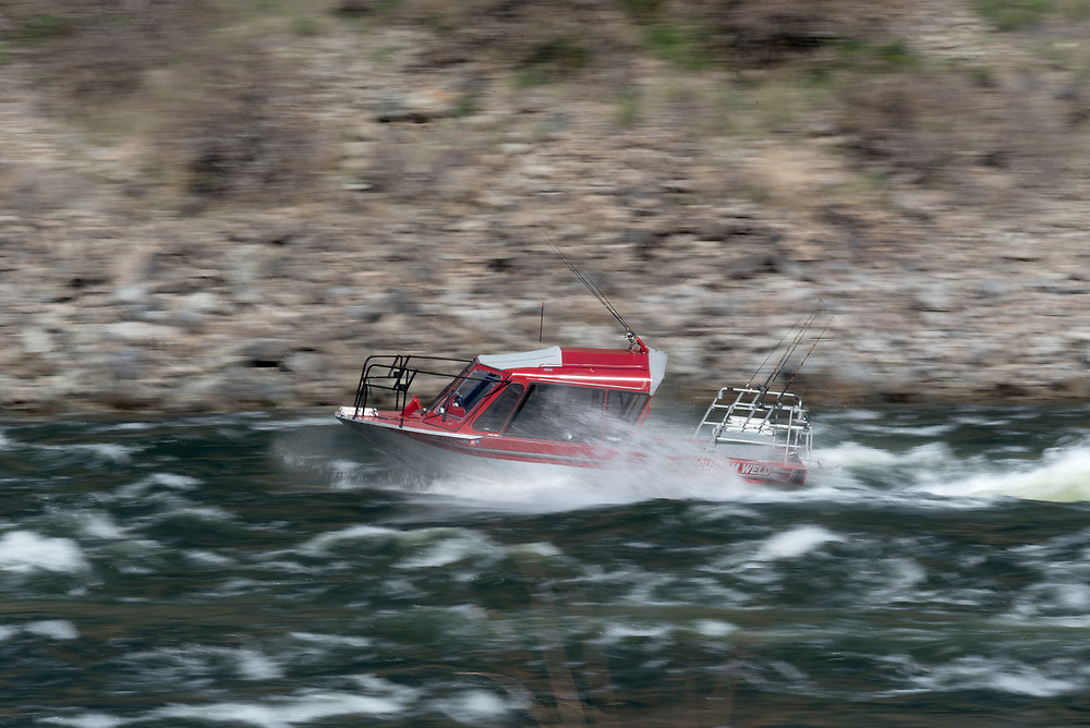 Jet boat on the Snake River in Hells Canyon, Oregon/Idaho.