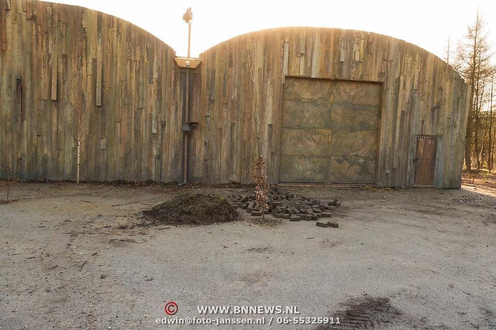 NLD/Bussum/20131219 - Perspresentatie nieuwe real life soap Utopia, verblijf van de bewoners