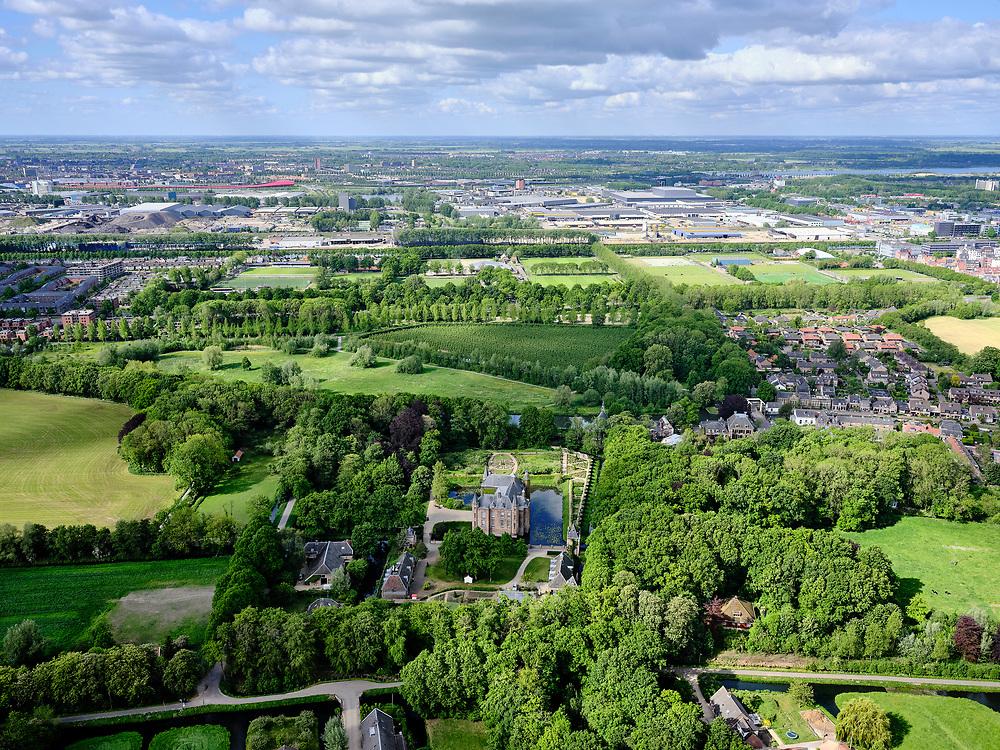 Nederland, Utrecht, Oud-Zuilen; 14–05-2020; Slot Zuylen, historisch kasteel en buitenplaats gelegen aan de Utrechtse Vecht. In de achtergrond bedrijventerrein Lage Weide bij de A2.<br /> Zuylen Castle, historic castle and country estate.<br />  <br /> luchtfoto (toeslag op standaard tarieven);<br /> aerial photo (additional fee required)<br /> copyright © 2020 foto/photo Siebe Swart