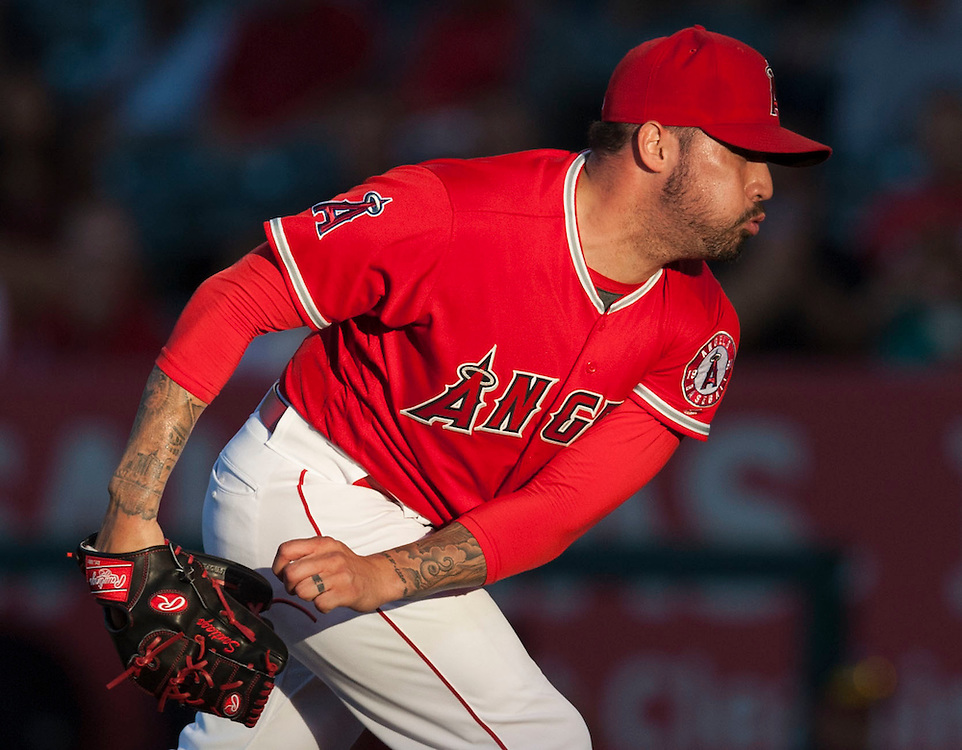 Angels' starting pitcher Hector Santiago throws to the mound against the Minnesota Twins Wednesday night at Angel Stadium.<br /> <br /> ///ADDITIONAL INFO:   <br /> <br /> angels.0616.kjs  ---  Photo by KEVIN SULLIVAN / Orange County Register  -- 6/15/16<br /> <br /> The Los Angeles Angels take on the Minnesota Twins Wednesday at Angel Stadium.