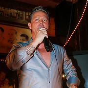 NLD/Amsterdam/20130311 - CD presentatie jubileum cd Danny de Munk, Danny zingend