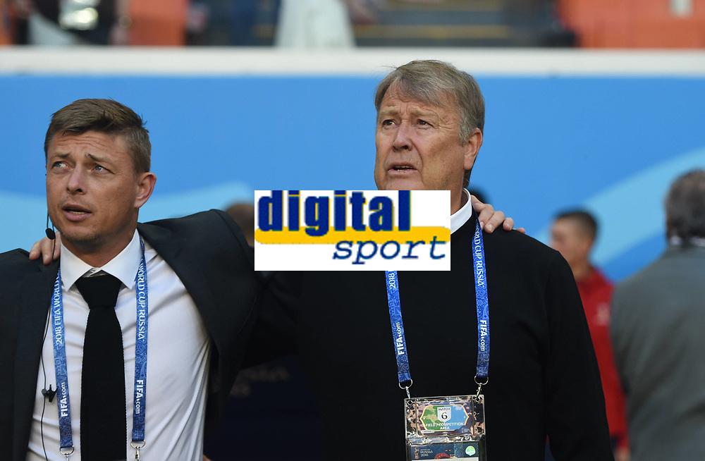 (180616) -- SARANSK, June 16, 2018 -- Denmark s head coach Age Hareide (R) is seen prior to a group C match between Peru and Denmark at the 2018 FIFA World Cup WM Weltmeisterschaft Fussball in Saransk, Russia, June 16, 2018. ) (SP)RUSSIA-SARANSK-2018 WORLD CUP-GROUP C-PERU VS DENMARK HexCanling PUBLICATIONxNOTxINxCHN