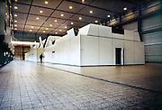 Nederland, Nijmegen, 28-1-2007Turbinezaal, hal met turbine van de electriciteitscentrale van Elektrabel in Nijmegen. Deze centrale is modern wat betreft filtering van rookgasuitstoot. De vliegas wordt er uitgehaald en gebruikt als grondstof voor wegenbouw en cementindustrie. Samenvoeging van zwavel uit de ontzwavelingsinstallatie en van de slakken, kalksteen, levert gips op. Kolen of bio brandstof. Foto: Flip Franssen/HH