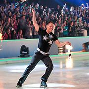 NLD/Hilversum/20130209 - Finale Sterren Dansen op het IJs 2013, danser met vuur