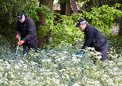 © Licensed to London News Pictures. 25/05/2015. OXFORD, UK. Police  continue to search University Parks in Oxford following a CCTV sighting of Jed Allen in Oxford. Three bodies were found in Vicarage Road, Didcot, on Saturday evening and launched a manhunt to locate him. Photo credit : Cliff Hide/LNP