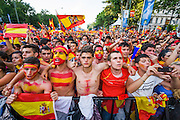 Fans during the Spanish national anthem