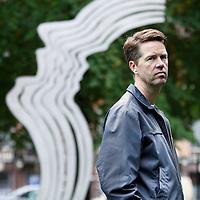 Nederland, Amsterdam , 24 september 2010..Martin Bosma (Wormer, 16 juli 1964) is een Nederlandse politicus voor de Partij voor de Vrijheid (PVV). Hij is sinds 30 november 2006 lid van de Tweede Kamer..Martin staat hier voor het Theo van Gogh monument in het Oosterpark..FOTO NIET IN BREEDTE AANSNIJDEN S.V.P.!.Foto:Jean-Pierre Jans