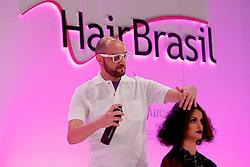 Show One por Lincoln Tramontini durante a HAIR BRASIL 2012 - 12 ª Feira Internacional de Beleza, Cabelos e Estética, que acontece de 24 a 27 de março no Expocenter Norte, em São Paulo. FOTO: Jefferson Bernardes/Preview.com