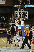 DESCRIZIONE : Lodi Lega A2 2009-10 Campionato UCC Casalpusterlengo - Riviera Solare RN<br /> GIOCATORE : Troy Ostler<br /> SQUADRA : UCC Casalpusterlengo<br /> EVENTO : Campionato Lega A2 2009-2010<br /> GARA : UCC Casalpusterlengo Riviera Solare RN<br /> DATA : 14/03/2010<br /> CATEGORIA : Passaggio<br /> SPORT : Pallacanestro <br /> AUTORE : Agenzia Ciamillo-Castoria/D.Pescosolido