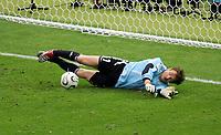 Jens Lehmann Torwart Deutschland haelt den Elfmeter Esteban Cambiasso<br /> Fussball WM 2006 Viertelfinale Deutschland - Argentinien<br /> Tyskland - Argentina<br /> Norway only
