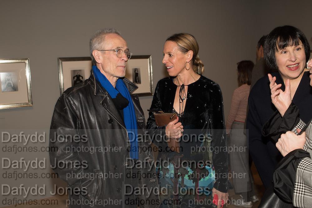 JOHN DUNBAR; TIPHAINE DE LUSSY; ALICE RAWTHORNE, The Radical Eye: Modernist Photography from the Sir Elton John Collection. Tate Modern. London. 8 November 2016