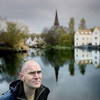 Nederland, Amsterdam , 13 april 2012..Remco Daalder, stadsecoloog in de buurt van de Nieuwdammer molenpad..Foto:Jean-Pierre Jans