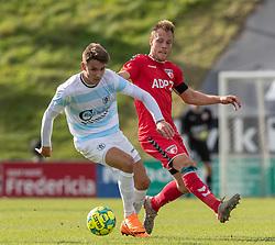 Oliver Kjærgaard (FC Helsingør) og Anders Holvad (FC Fredericia) under kampen i 1. Division mellem FC Fredericia og FC Helsingør den 4. oktober 2020 på Monjasa Park i Fredericia (Foto: Claus Birch).