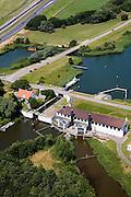 Nederland, Noord-Holland, Den Oever, 14-07-2008; Gemaal Leemans, een van de twee gemalen die de Wieringermeerpolder drooggelegd hebben; de waterhuishouding van de polder wordt mede verzorgd door dit gemaal; pomp, pompen, drainage ; dieselmotor, dieselgemaal; Wieringermeer. .luchtfoto (toeslag); aerial photo (additional fee required); .foto Siebe Swart / photo Siebe Swart