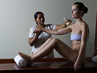 ayurvedic massage care from tradional medecine from kerala india