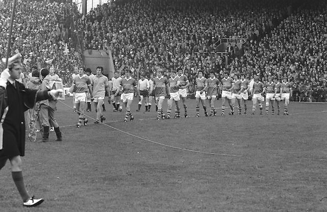 Players line out onto the pitch before the start of the All Ireland Senior Gaelic Football Final Dublin v Kerry in Croke Park on the 26th September 1976. Dublin 3-08 Kerry 0-10.