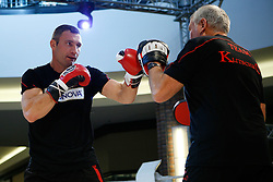 07.09.2011, Centrum Handlowe Magnolia Park, Warschau, POL, WBC, Training Vitali Klitschko und Tomasz Adamek, im Bild Vitali Klitschko (L) und sein Trainer Fritz Sdunek // during a training session before the WBC world title fight between Vitali Klitschko and Tomasz Adamek in Warsaw, Poland on 07/09/2011. EXPA Pictures © 2011, PhotoCredit: EXPA/ Newspix/ Sebastian Borowski +++++ ATTENTION - FOR AUSTRIA/(AUT), SLOVENIA/(SLO), SERBIA/(SRB), CROATIA/(CRO), SWISS/(SUI) and SWEDEN/(SWE) CLIENT ONLY +++++