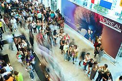 Movimento de público na HAIR BRASIL 2010 - 9 ª Feira Internacional de Beleza, Cabelos e Estética, que acontece de 27 à 30 de março no Expocenter Norte, em São Paulo. FOTO: Jefferson Bernardes/Preview.com