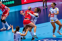 Daria Dmitrieva of Russia, Beatrice Edwige of France in action during the Women's EHF Euro 2020 match between France and Russia at Jyske Bank BOXEN on december 11, 2020 in Kolding, Denmark (Photo by RHF Agency/Ronald Hoogendoorn)