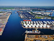Nederland, Noord-Holland, Amsterdam, 02-09-2020; Westpoort met Westhaven, Suezhaven, Bosporushaven, Sonthaven.<br /> Western docklands.<br /> luchtfoto (toeslag op standard tarieven);<br /> aerial photo (additional fee required);<br /> copyright foto/photo Siebe Swart