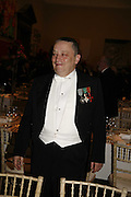 Norman Rosenthall, Royal Academy Annual dinner. Royal Academy, Piccadilly. 6 June 2006. ONE TIME USE ONLY - DO NOT ARCHIVE  © Copyright Photograph by Dafydd Jones 66 Stockwell Park Rd. London SW9 0DA Tel 020 7733 0108 www.dafjones.com