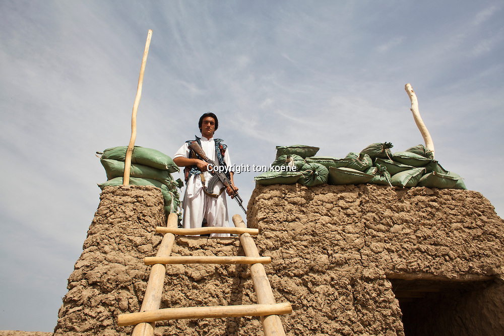 Estimated 10.000 Arbaki fighters(warlords) in Kunduz province.