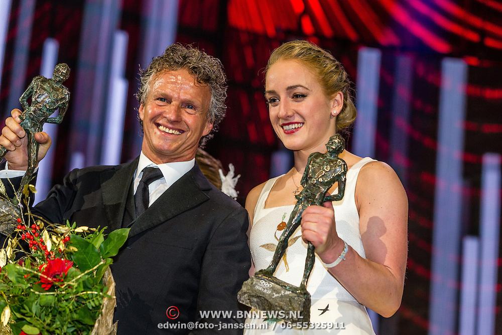 NLD/Amsterdam/20161221 - NOC*NSF Sportgala 2016, Jan Lammers namens Max Vestappen als Sportman van het Jaar en Sanne Wevers is verkozen tot Sportvrouw van het Jaar