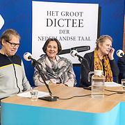 NLD/Zutphen/20191102 - Groot Dictee ter Nederlandse Taal, Wim Daniels met Gerdi Verbeet