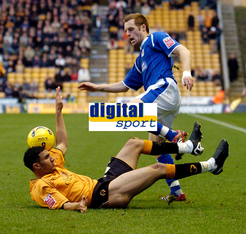 Photo: Leigh Quinnell.<br /> Wolverhampton Wanderers v Leicester City. Coca Cola Championship. 09/12/2006. Wolves' Lewis Gobern tangles with Leicesters Alan Maybury.