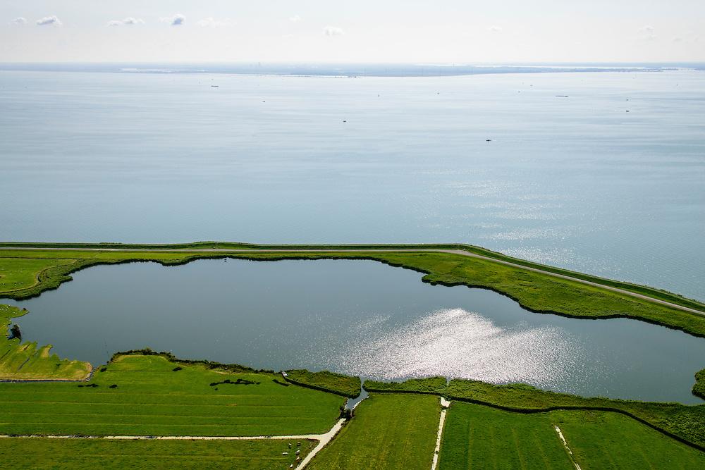 Nederland, Noord-Holland, Amsterdam, 05-08-2014; Waterland , Barnegat met Waterlandse Zeedijk (Uitdammerdijk) en IJsselmeer.<br /> Waterland with (former) seawalll, near Amsterdam. IJssel lake.<br /> luchtfoto (toeslag op standard tarieven);<br /> aerial photo (additional fee required);<br /> copyright foto/photo Siebe Swart