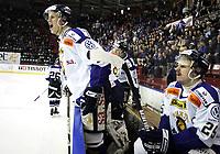 Ishockey<br /> GET-Ligaen<br /> Sluttspill Finale Play off 2. kamp<br /> 31.03.09<br /> Jordal Amfi<br /> Vålerenga VIF - Sparta Sarpsborg Warriors<br /> Frustrasjon på Sparta-benken ved Tommy Kristiansen og Fredrik Furuseth Andersen<br /> Foto - Kasper Wikestad