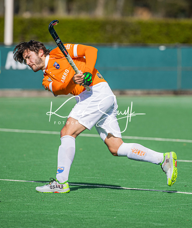 BLOEMENDAAL - Arthur van Doren (Bldaal)   tijdens de hoofdklasse hockeywedstrijd dames , Bloemendaal-Oranje Rood  (3-1).  COPYRIGHT  KOEN SUYK