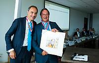 BREDA -  ALV KNHB. Reinoud Imhof neemt afscheid en en wordt erelid van de KNHB. rechts voorzitter Erik Cornelissen.    COPYRIGHT  KOEN SUYK