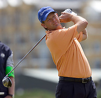 Golf<br /> Foto: SBI/Digitalsport<br /> NORWAY ONLY<br /> <br /> 2005 Open Championship, St. Andrews.<br /> Saturday 16/07/2005<br /> <br /> Reteif Goosen drives at 4th today